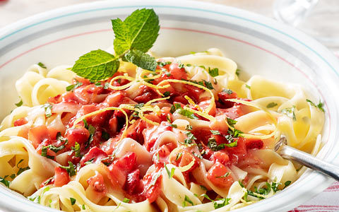 Tagliatelle with strawberries